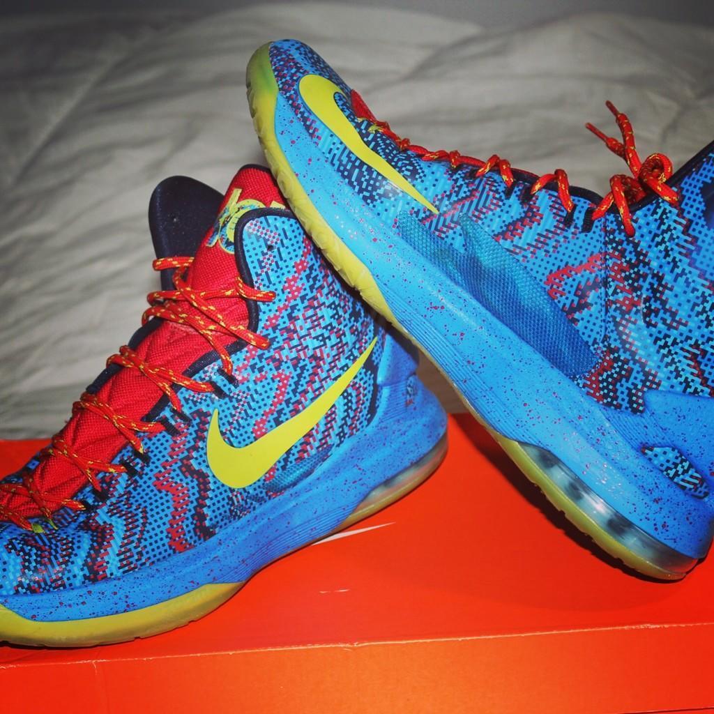 Nike KD 5 KD V Christmas Day 554998-401 | Basketball Footwear ...