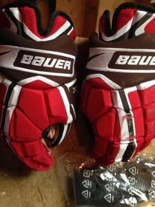 St. Lawrence Bauer gloves