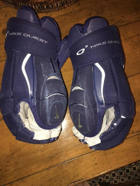Nike Quest Q2 Navy 13 5 Quot Sold Hockey Gloves Sidelineswap