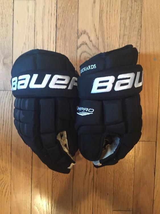 Mike Richards Game Worn Pro Stock La Kings Bauer 4 Roll Hockey Gloves 14
