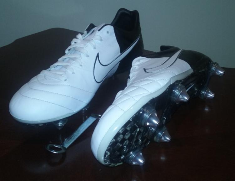 new styles da76c b8a51 Nike Tiempo Legend IV Elite SG brand new size 9