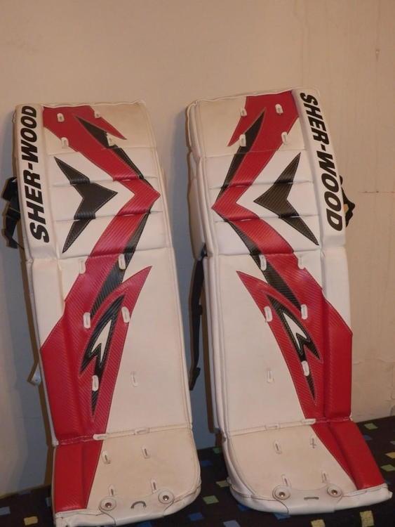 Sherwood T90 Senior Pro ice | Hockey Goalie Leg Pads ...