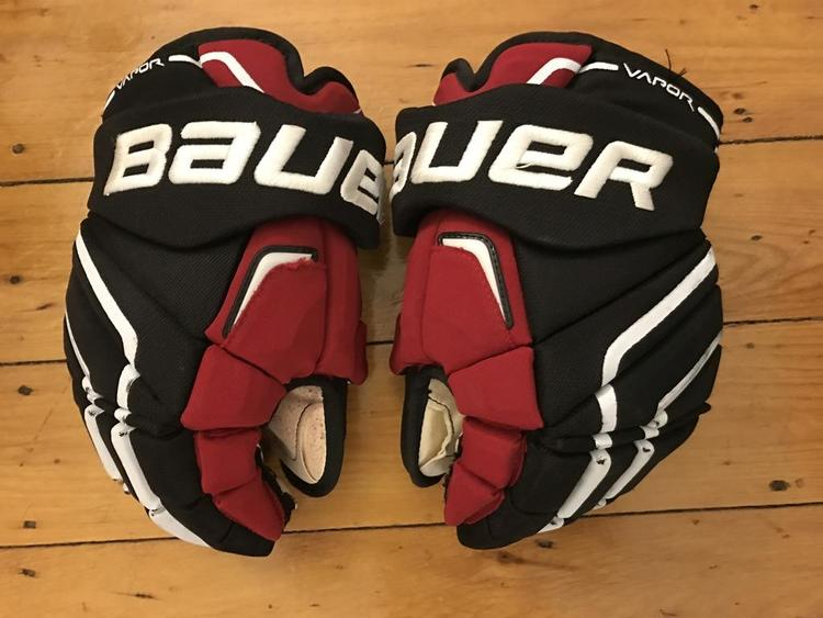 Bauer Pro Stock Team Canada Apx2 14 Sold Hockey Gloves