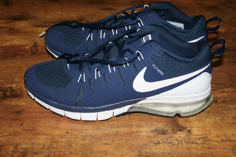 Nike Price Drop Brand New Navy Blue Air Max Tr180
