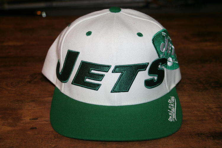 BNWT Mitchell   Ness Throwback NY Jets Snapback Hat - SOLD 7ad23d8c99b6