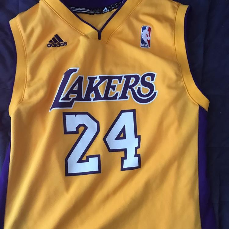 a664b5c4f116 ... Adidas Kobe Bryant Lakers Jersey Basketball Hats Apparel SidelineSwap  Mens Los Angeles ...