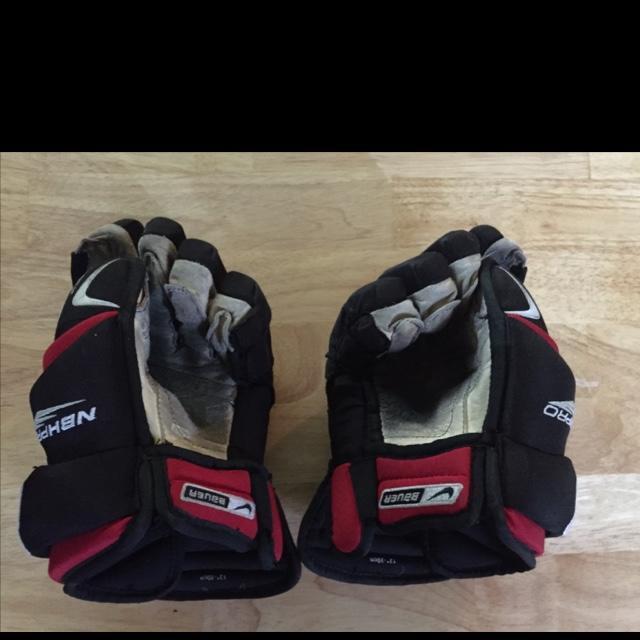 "Nike Hockey Gloves: Bauer Nike 4 Roll 12"""