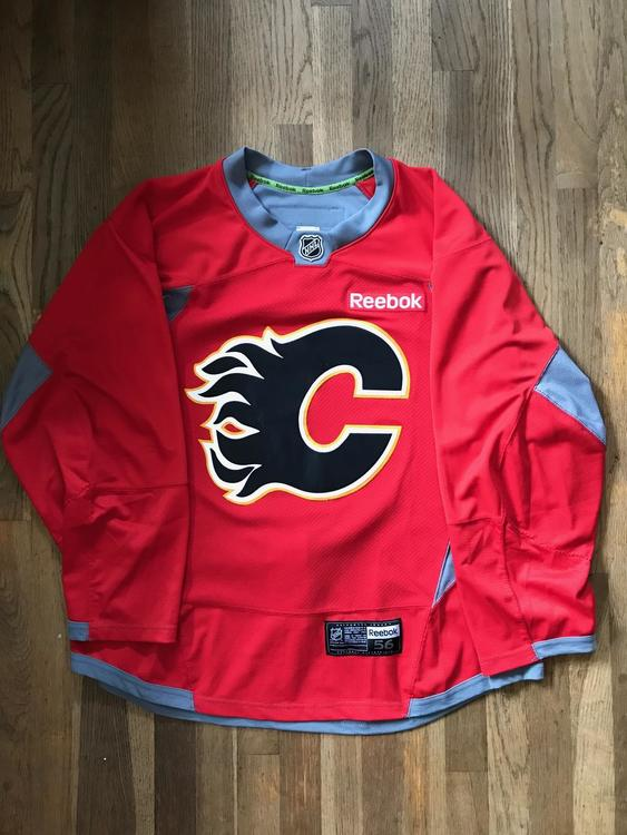 wholesale dealer 3827f dc764 Calgary Flames Pro Stock Reebok Edge Red Practice Jersey 56