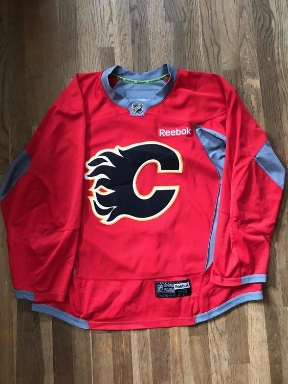 huge selection of 886de b95f3 Calgary Flames Pro Stock Reebok Edge Red Practice Jersey Size 58 NHL