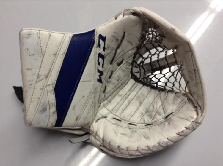 CCM Extreme Flex 3 Goalie Glove GUDLEVSKIS Syracuse Crunch Pro stock AHL  2167