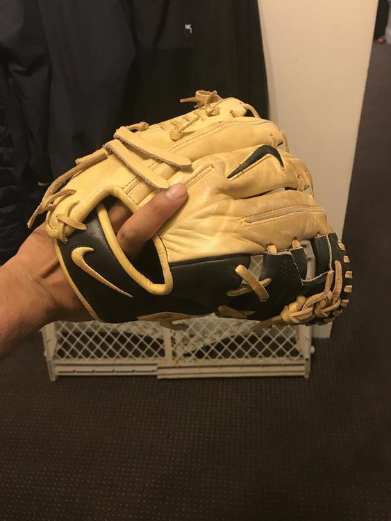 Nike I-web INF Glove 11.25 - SOLD