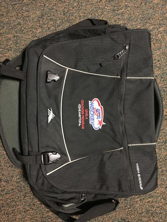 e579995adbfe USA Coaching Bag