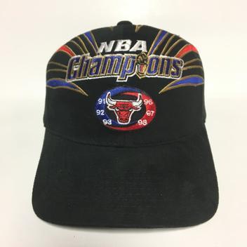 d2e8ce7fd94 Vintage Chicago Bulls Starter NBA Champs Strapback