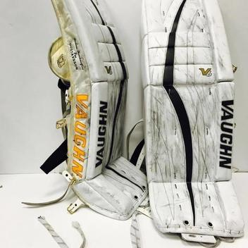 Hockey Goalie Pads Amp Equipment Buy And Sell On