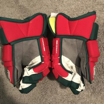 b4bc5d70b Pro Stock Chris Terreri New Jersey Devils Retro Warrior Franchise Hockey  Gloves 14W Made In Canada - SOLD