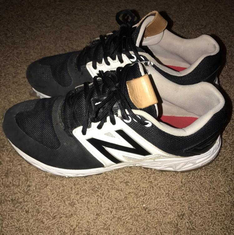what stores carry new balance shoes new balance baseball