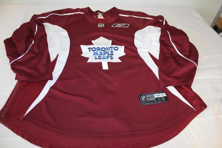 best website c5a56 1ab83 Toronto Maple Leafs practice jersey pro stock return