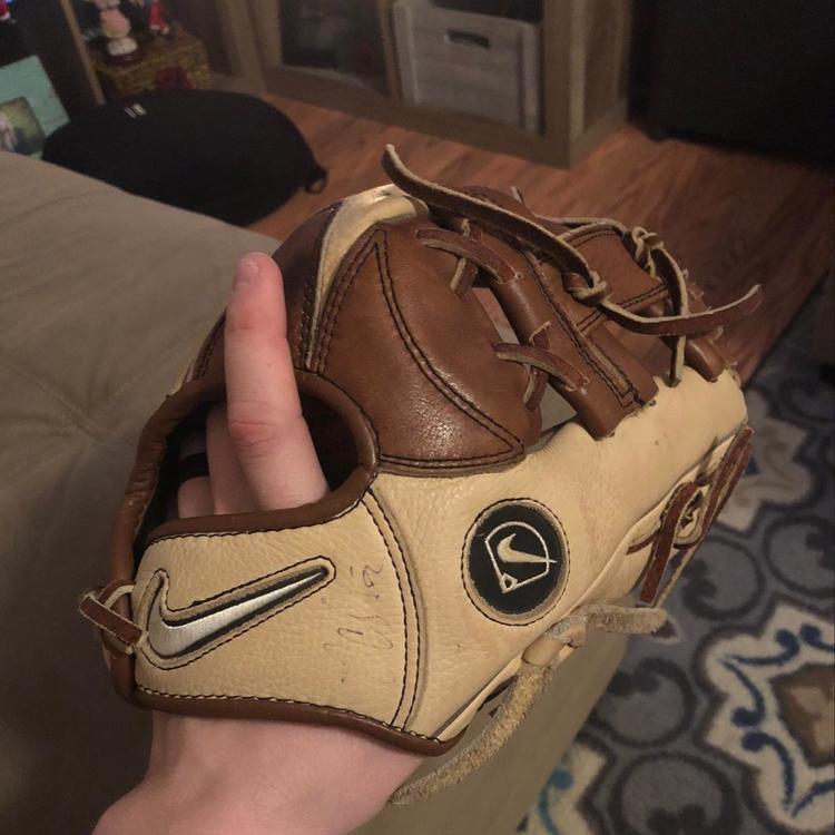 Nike glove - EXPIRED