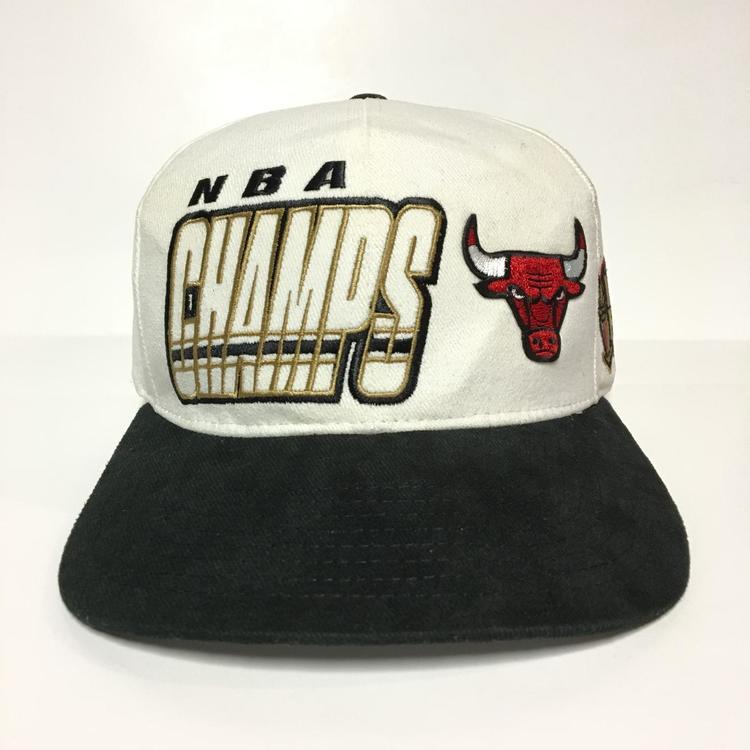 95d7d87d2b5ab8 Vintage Starter Chicago Bulls 1997 Champions Snapback Hat | SOLD ...