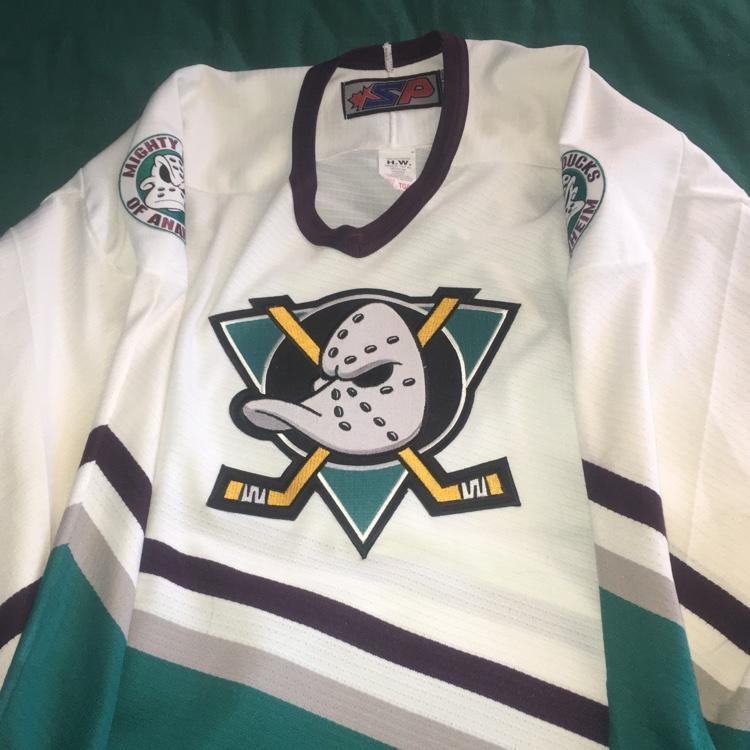 new products 4f2a3 3d5d3 Mighty Ducks 90's White Hockey Jersey XL Vintage