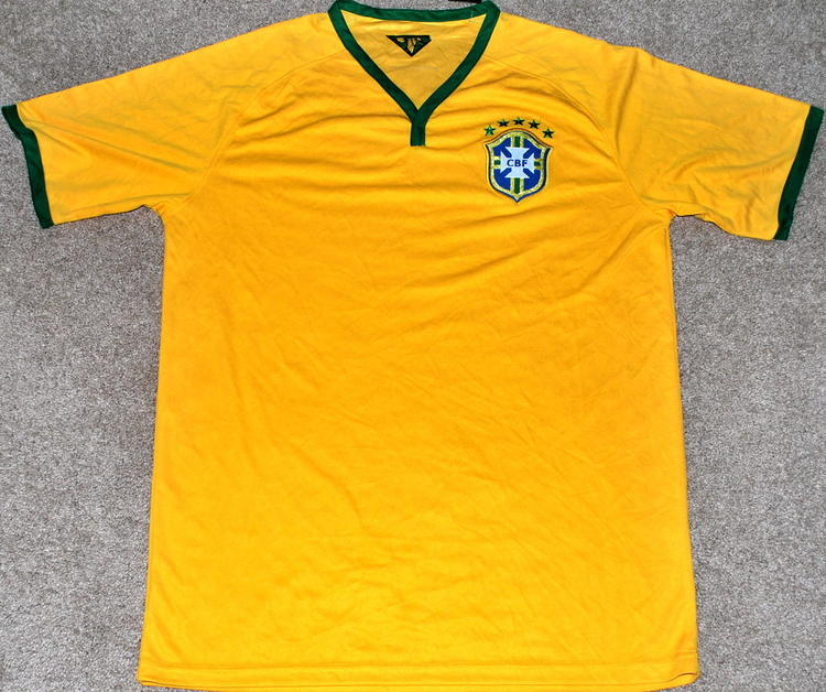 094cdb909db BRAZIL MEN S SOCCER JERSEY FIFA WORLD CUP EXTRA LARGE XL   READ AD! Related  Items