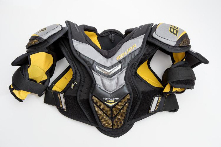 Bauer Supreme Totalone Nxg Junior Medium Sold Hockey Shoulder