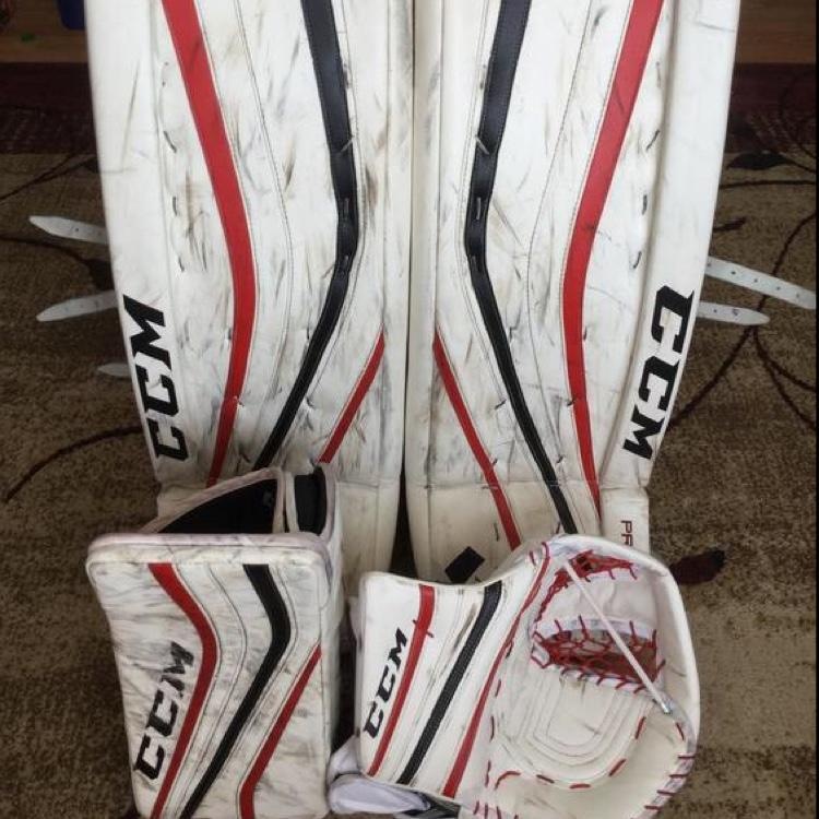 Ccm Goalie Pads With Glove And Blocker
