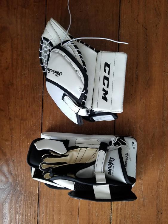 73f0948b35c CCM Retro Flex 450 Goalie Glove   Blocker Full Right Junior