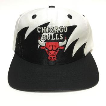 5ce3625049d Vintage Chicago Bulls Sharktooth Snapback Hat