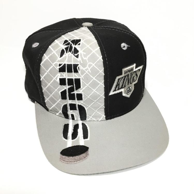 check out 3bade 0a734 Vintage Los Angeles Kings Graphic Snapback Hat