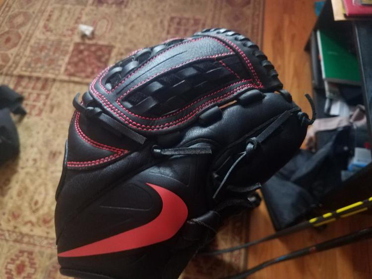 New Nike MVP Glove