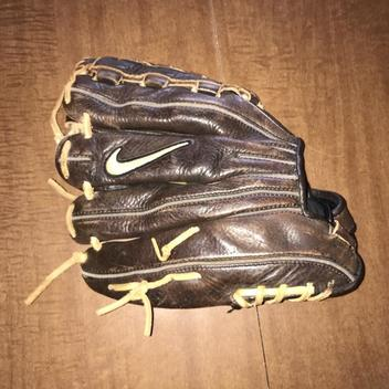 Nike Outfield Glove - SOLD