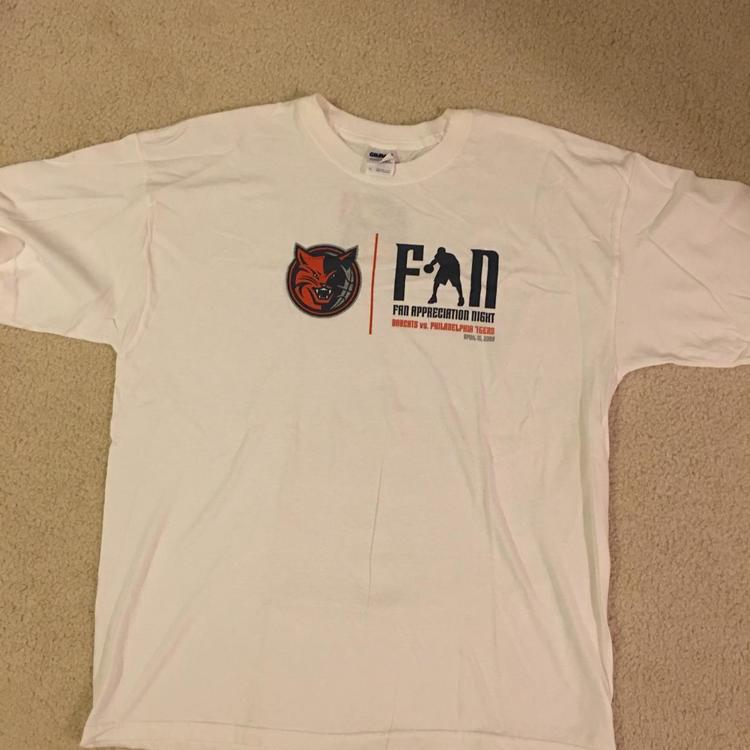 the latest 8631b 4c583 Classic NBA Charlotte Bobcats T-Shirt