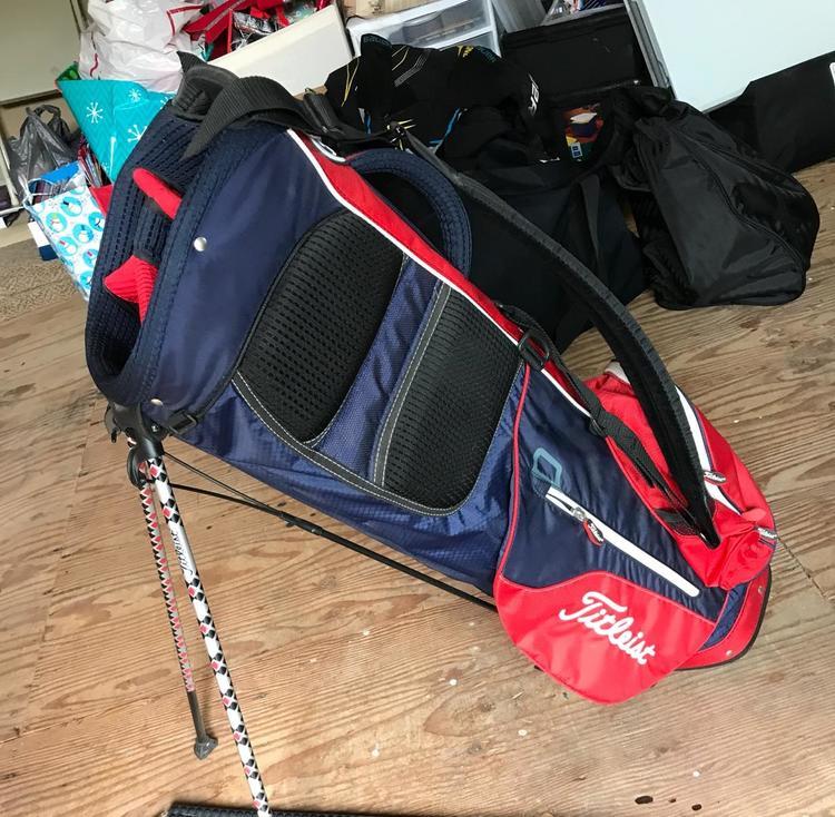 titleist custom bag expired golf bags sidelineswap. Black Bedroom Furniture Sets. Home Design Ideas