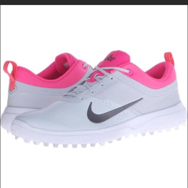 ad7bde9ff5d4 NWT Nike Akamai Women s Golf Shoes