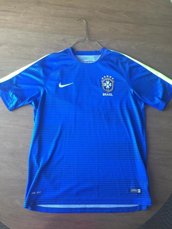 6679f5c0cc6 Nike Like New XL Brazil Jersey Blue