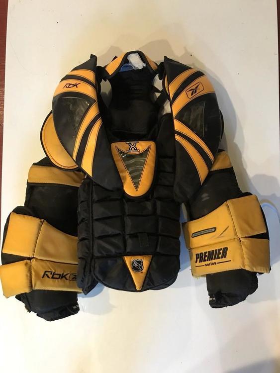 e82e6d86d0d Reebok Premier Pro P1 X Carbon Koho goalie chest protector Large ...