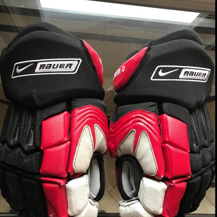 Nike Bauer Ottawa Senator Mike Fisher Gloves