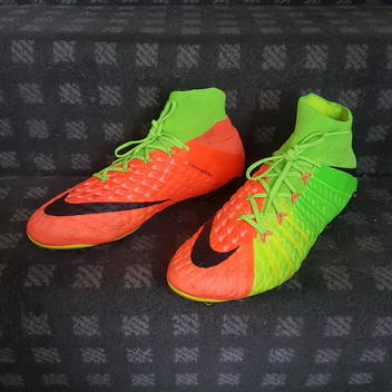 c1c7e5348638 Soccer Gear | Buy and Sell on SidelineSwap