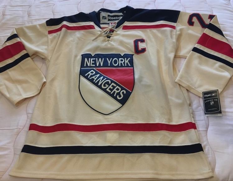 huge selection of d38eb 9448d Ryan Callahan 2012 Rangers Winter Classic Jersey