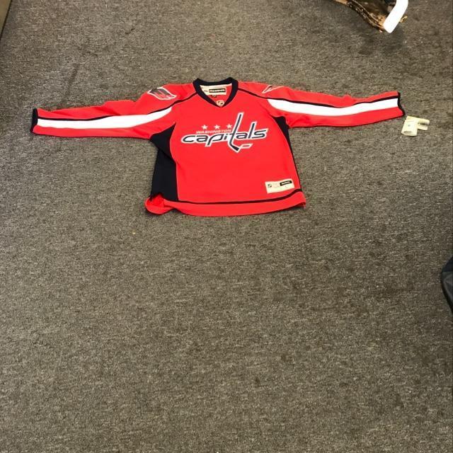 brand new 5e25f 86723 Reebok Washington Capitals Hockey Jersey Senior Large New