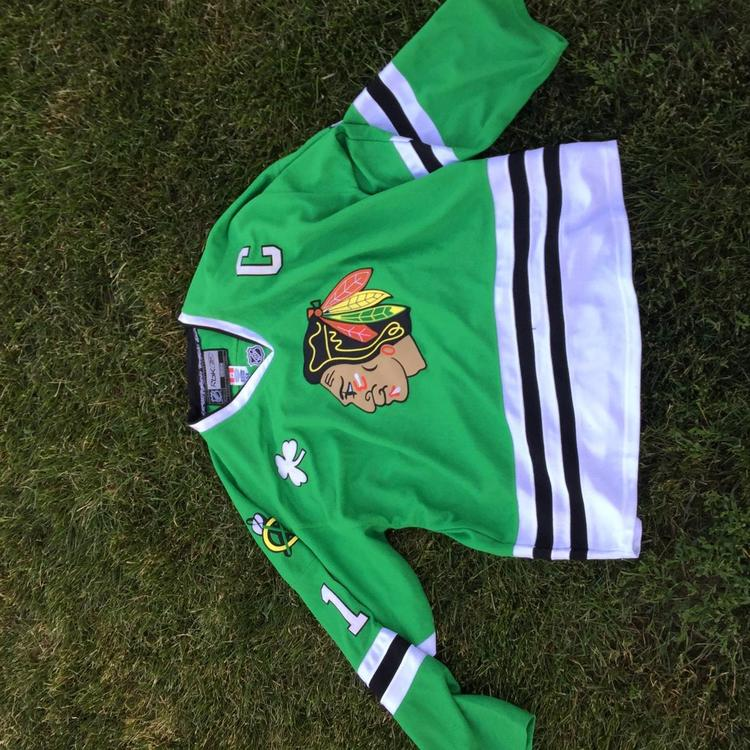 cheap for discount ff8b3 21ba0 Jersey Blackhawks Toews Size 54 XXL Rebook Jersey Green
