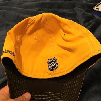 2cbfc0b85 Official Boston Bruins 2010 Winter Classic Fitted Hat  new W o Tags  -  EXPIRED