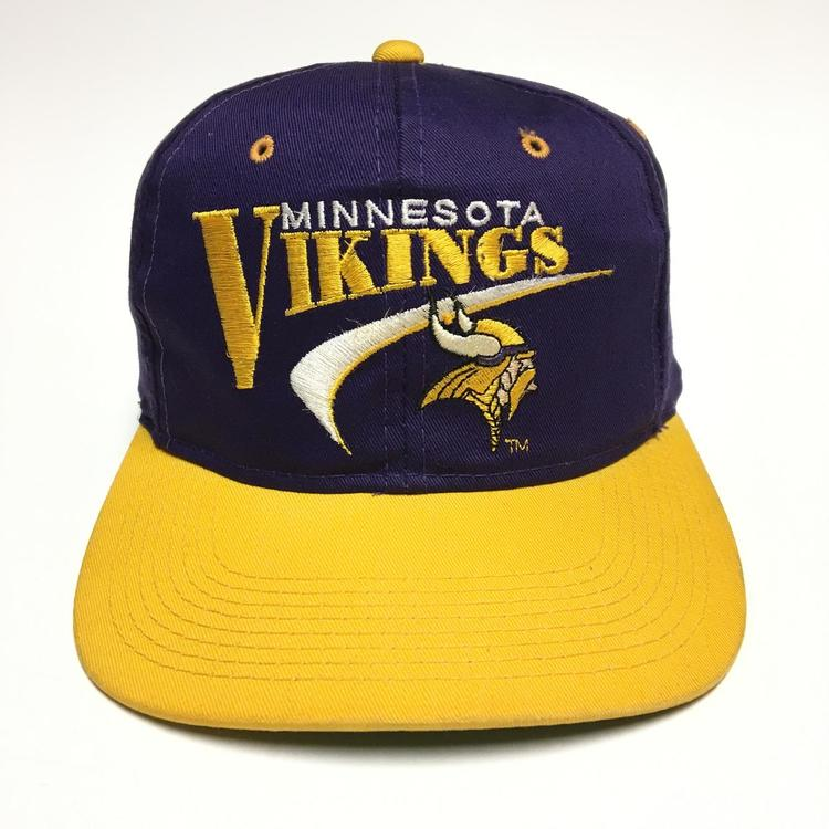 41cd0acf Vintage Minnesota Vikings Snapback Hat | Football Apparel | SidelineSwap