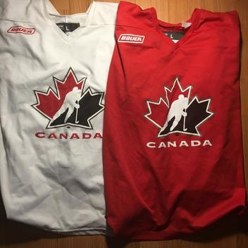 Team Canada Bauer Practice Jerseys Large - SOLD dad555251