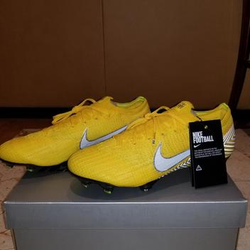 competitive price 98647 8d29b 42 Available. Nike Mercurial Vapor Cleats