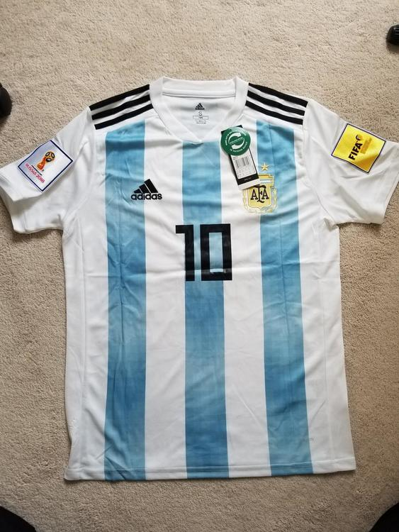 buy online 75d18 3d0b4 New Argentina 2018 World cup jersey MESSI