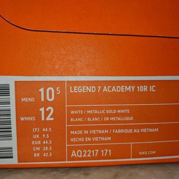 a93a6bce7 Nike   BRAND NEW   RONALDINHO   TIEMPO LEGEND 7 Academy 10R   SIZE ...