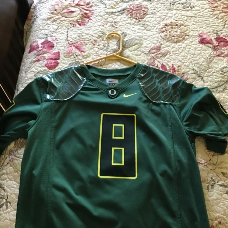 purchase cheap 393bd 70a69 Marcus Mariota Oregon #8 Nike Jersey Youth Large
