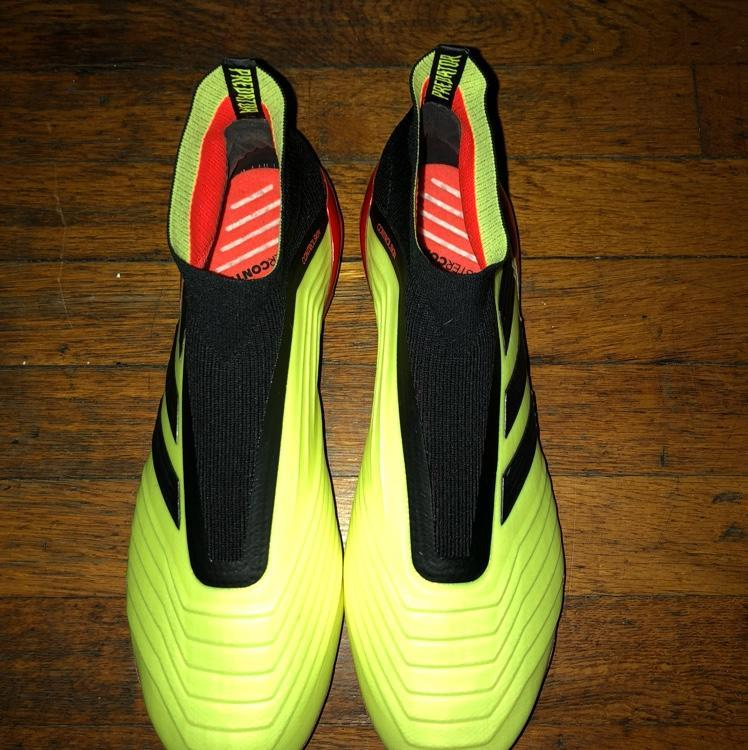 a39a39588031 ... top quality adidas predator 18 world cup pack sold 4d3fb dffab